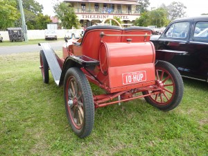Edgar's 1910 Hupmobile - love the rego plates